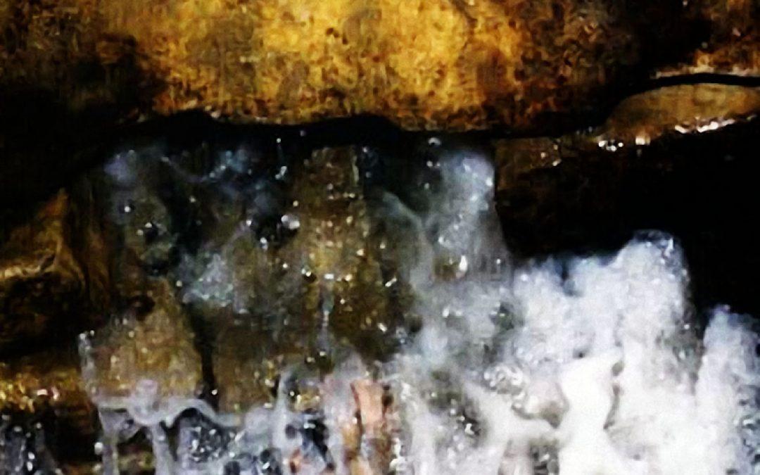 Manfaat dan Khasiat yang terkandung dalam Air Zam Zam